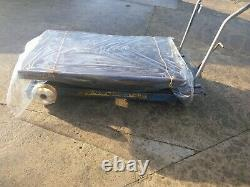 Mobile hydraulic work bench lifting platform table 1250 kgs -cash on collection