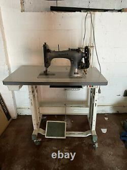 Singer 132K6 Heavy Duty Walking Foot Industrial Sewing Machine With Table
