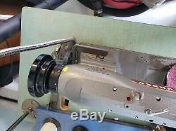 Consew 225rb-1 Heavy Duty Machine À Coudre Industrielle Avec Le Tableau