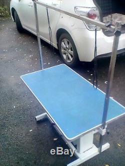 Grande Table De Toilettage Hydraulique Pour Chien 106 X 60 CM