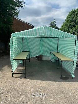 Marché Cadre Stall 10ft X 15ft Walk-in Stand La Table Et Table Conseil