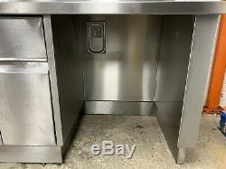 Préparation Heavy Duty Table Comptoir Avec Placards 2500 MM £ 550 + Vat