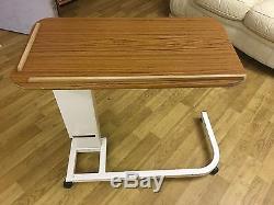 Rise And Fall Overbed Table Sur Un Lit Réglable Bureau Soins Médicaux Pour Ordinateur Portable Sofa
