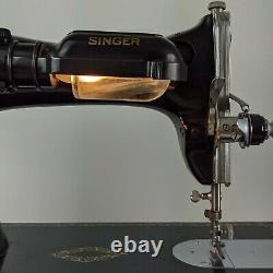 Singer Sewing Machine Vintage15-91 Coudre Lourd Pied De Table De Pédale 1940s 1950s