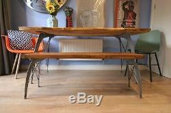 Table À Manger En Direct Waney Bord Avec Eames Uniques Sièges De Conception De La Jambe De Service De Six Lourd
