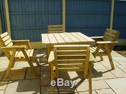 Table De Jardin Et 4 Chaises (table1mtr Square Approx) Tanilsed Timber Heavy Duty