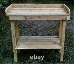 Table De Mise En Pot Robuste Fabriquée À La Main Dans Le Devon À Partir De Bois Recyclé Traité