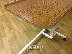 Table Élévatrice Sur Le Lit Au-dessus Du Sofa D'ordinateur Portable Médical De Soins Infirmiers De Bureau Réglable De Lit