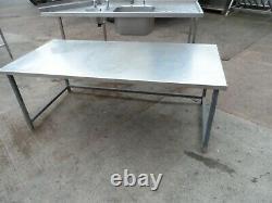 Table En Acier Inoxydable De Basse Qualité 1780 X 855 MM 150 £ + Vat