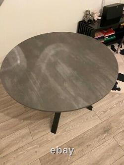 Table Ikea Mariedamm, Gris Foncé105 CM 504.415.10 État Parfait