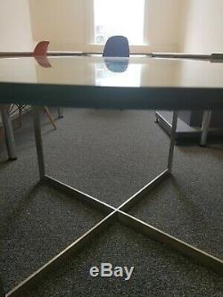 Table Ronde Robuste En Verre 149cm X 2cm Excellent État À Emporter Dès Que Possible