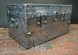 Vintage Industriels Lourds En Acier Poli Boot Coffre Table Basse