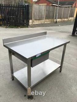 Zanussi Table Lourde / Support Avec Sous-sol Et Tirage (1200 MM X 700 Mm)